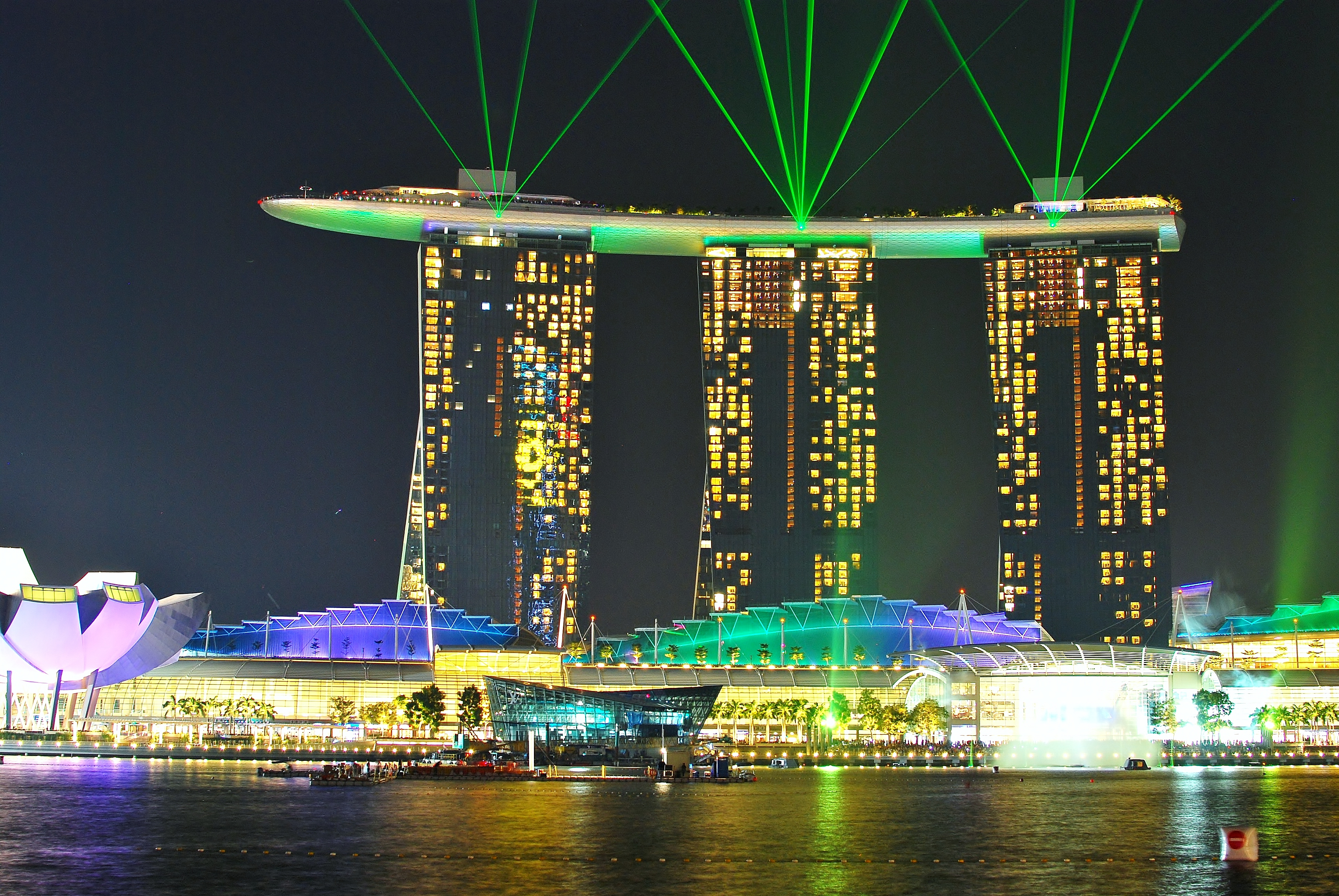Awesome night view of Singapore Marina Bay Sands - YouTube